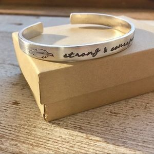 Strong & Courageous 💪🏻 bracelet